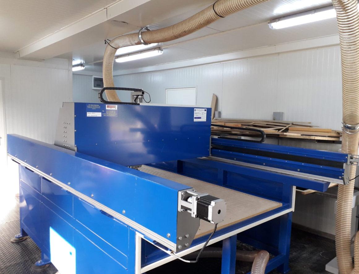 aparat pentru producerea panourilor
